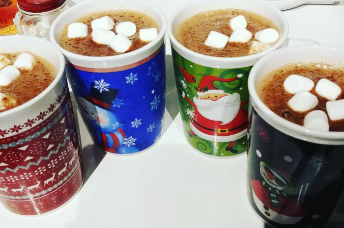 4 cups of hot chocolate with marshmallows