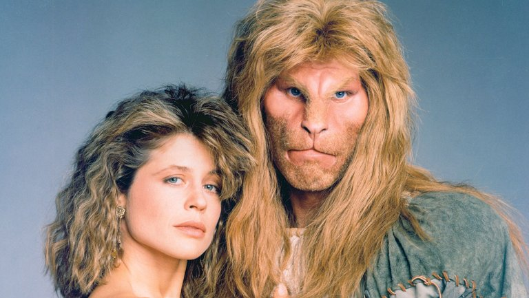 Linda Hamilton and Ron Pearlman as Beauty and the Beast from the 1987 TV show